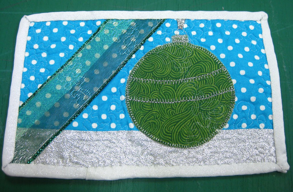 Green Ornaments Rug - Side 2