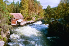 Myllykoski drafts (Leo-set) Tags: kuusamo finland europe 2000 summer nature rapids travel water vacation myllykoski drafts white             architecture building     finlndi  finska  phinsuyu finlandia    finlande soome finnland
