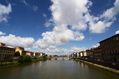 . (Gwenal Piaser) Tags: italy june canon eos florence italia angle wide wideangle ponte tokina 400 firenze canoneos italie 116 2010 atx 50d eos50d canoneos50d 1116mm unlimitedphotos tokina1116mmf28 tokinaaf1116mmf28 atx116prodx gwenflickr