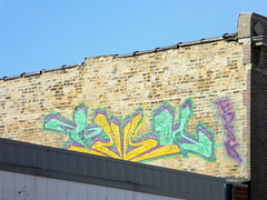 EDSK in teal, gold, and purple (GXM.) Tags: street urban chicago green yellow gold graffiti purple teal milwaukee rockwell graff chicagoist gxm chicagostreetart edsk chicagograffiti