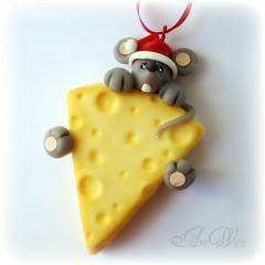 Que llega navidad! (ArtWen) Tags: arbol navidad raton queso colgante porcelanafria adornopicnik