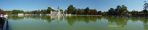 panorámica lago del Retiro en otoño