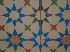 Mosaik (GaudiAZ) Tags: maison blunt