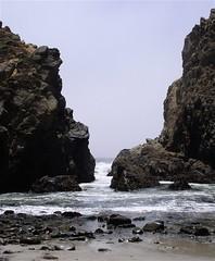 Pfeiffer Beach, Big Sur (connave) Tags: california coast bigsur pacificocean centralcalifornia pfeifferbeach