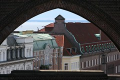 Buildings (Hkan Dahlstrm) Tags: buildings skne sweden framed portal sverige framing helsingborg skane