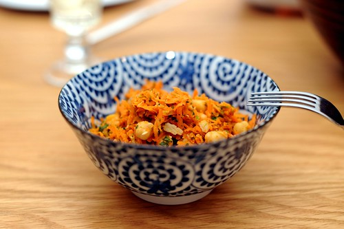 spicy carrot and chickpea salad