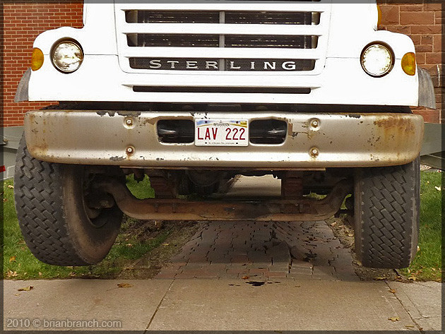 P1120475_jumping_truck