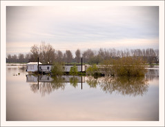 Hoog water / High water (Bert Kaufmann) Tags: morning sunset holland water netherlands rain river earlymorning nederland nl fluss highwater regen olanda roermond ochtend limburg niederlande rivier zonsopkomst hoogwater middenlimburg remunj regenval