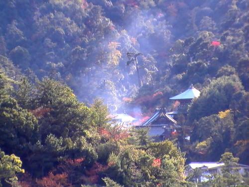 宮島 大聖院で 火渡り式7