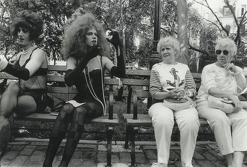 mujeres calle por Diana Arbus