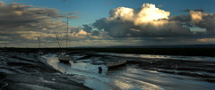 Shoreline looking over to Wales from Heswall across the River Dee - by jimmedia