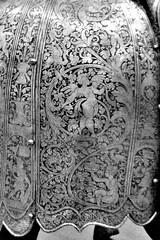 Detail of etched decoration on crupper (THoog) Tags: nyc newyorkcity newyork armor armour themet metropolitanmuseumofart armatura armadura armure rstung thoog