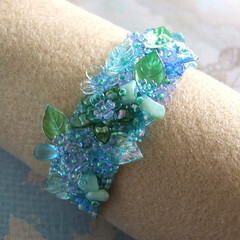 Winter Garden Bracelet - (Crafting 365, day 3) (Eskimimi) Tags: flowers winter snow glass leaves coral garden beads acrylic flat stitch seed jewelry jewellery peyote crafting365