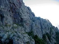 La fin (ou le début ?) de la vire versant Scaffone : vers la plate-forme sur l'arête
