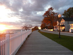 Mackinac Island sunset (PepOmint) Tags: street autumn sunset vacation fall beach october michigan gorgeous windy greatlakes fallfoliage crisp boardwalk chilly yesterday mackinacisland lakehuron mackinac grandhotel straitsofmackinac middleofthelake
