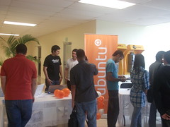Ubuntu Stand