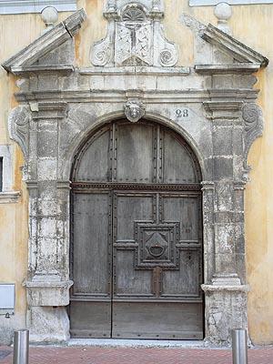 vieille porte.jpg