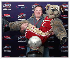 Adam Lewinski turns Moondog into a Lap dog