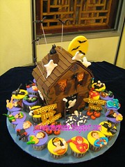 Haunted House birthday cake & Superheroes theme cupcakes (Jcakehomemade) Tags: blackcat skull spider superman wonderwoman batman ghosts skeletons superheroes greenlantern gypsy bats pumkins aquaman zatanna theflash greenarrow martianmanhunter halloweencake elongatedman justiceleagueheroes comicscharacter charactercupcakes jcakehomemade hauntedhousebirthdaycake superheroescomicscharactercupcakes