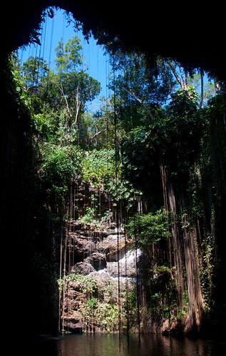 Cenote Ik-Kil 02