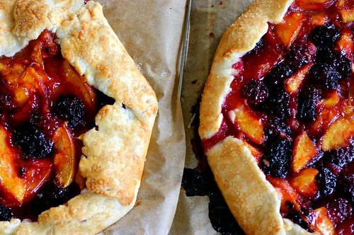 apple blackberry pie with fall leaves pate brisee cherry hand pies ...