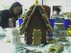 12-19-06_2213 (quackiechau) Tags: friends gingerbread christmas2006 december2006