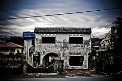 Rumah Hijau-3 (MohdFaizHashim) Tags: old house double story lama rumah banglo rumahhijau
