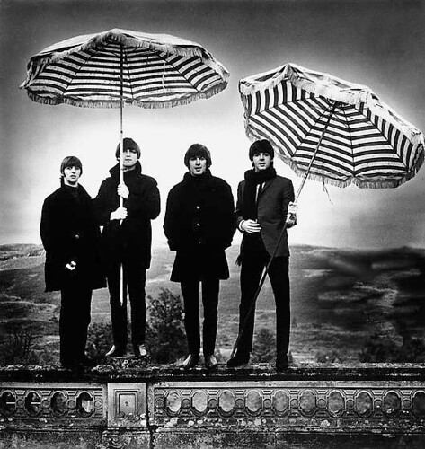 group-umbrellas