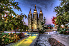 LDS Temple, Salt Lake City (szeke) Tags: city urban usa church temple utah us unitedstates iglesia saltlakecity hdr sincity 2010 mormontemple saltlaketemple churchofjesuschristoflatterdaysaints photomatix ldstemple specialtouch platinumheartaward latterdaysaintstemple freakydeail