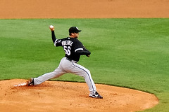 Mark Buehrle pitching