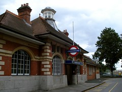 Picture of Barkingside Station