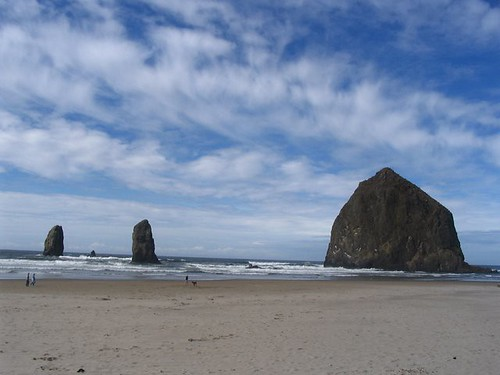 Cannon Beach's Distinctive Haystack Rock
