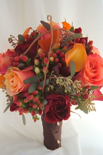 Fall Wedding Bouquet Isn 39t this lovely a bouquet of calla lily rose