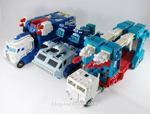 Transformers Ultra Magnus Classics + City Commander vs G1 vs Animated - modo alterno
