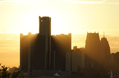 The Sun Behind (DanyKal) Tags: sun detroit sunrays gmbuilding