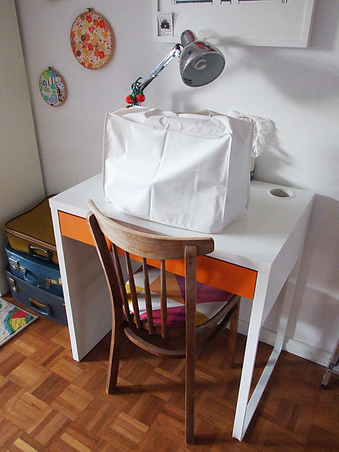 sewing table