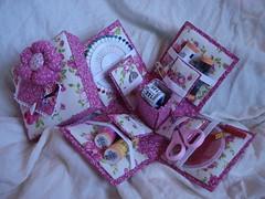 Kit de costura (Irlainy artesanatos) Tags: kit costura caixadecostura caixadepapelo caixaparacostura caixaparapresente caixadepapel caixadepapelparan caixasdecostura