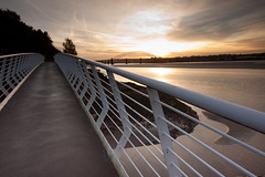 England - Cheshire - Widnes - Silver Jubilee Bridge - 28th October 2010 -35.jpg (Redstone Hill) Tags: england mersey widnes halton rivermersey silverjubileebridge runcornwidnesbridge