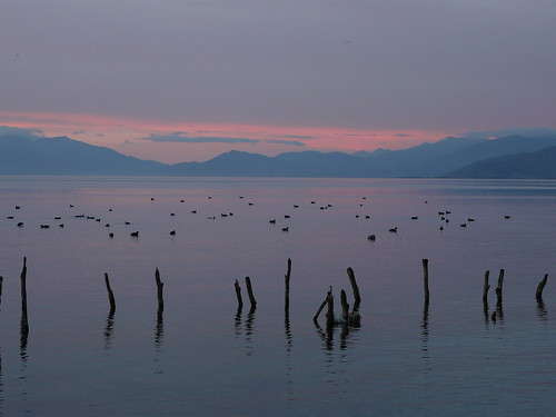 Lago Ohrid en el atardecer