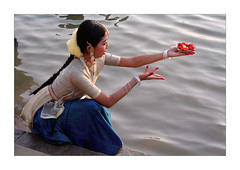 The water nymph (Elishams) Tags: city woman india bravo holy offering varanasi indianarchive hinduism kashi puja ganga ganges maa benares ghat northindia uttarpradesh  indedunord fivestarsgallery abigfave goldenphotographer flickrdiamond flickrelite