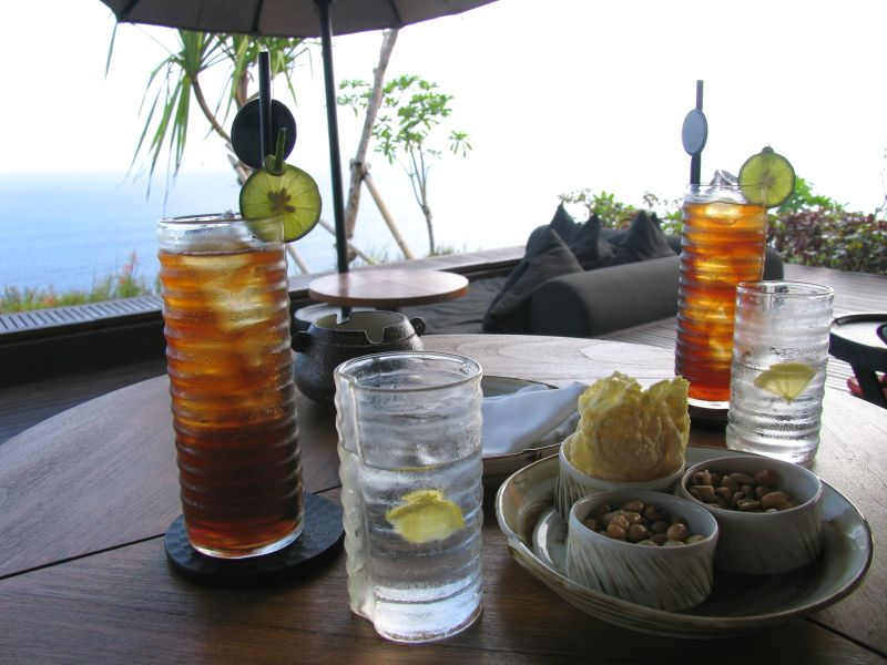 Long Island Iced Teas at the Bulgari resort