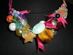 22 - Collana ricca coloratissima (perlineebottoni) Tags: collane perline bottoni