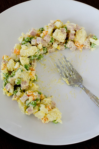 potato salad on plate