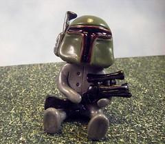 Boba Fett Robot 1 (Sleepy Robot 13) Tags: starwars gun bobafett polymerclayurbanvinylsleepyrobot13etsysilvercraftcraftscraftingsculptingsculpturefigurinearthandmadecraftshowcutekawaiirobots