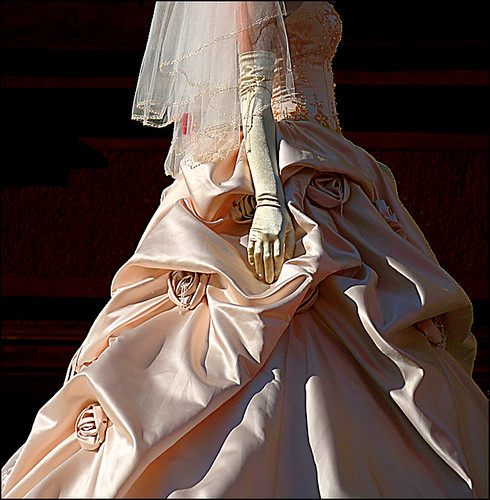 wedding dresses fashion wedding gownshttp://farm2.static.flickr.com/1223/1220070625_ea984cc648.jpg?v=0