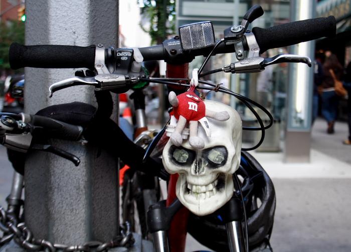 Skull-n-M&M: BFF