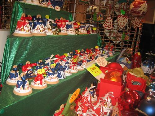 christmas ceramica torino market terracotta dora natale borgo palle mercatino christkindlmarkt campane campanelle porcellana natalizie