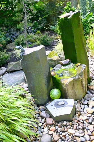 Willis Garden - echo chamber water feature