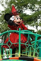 "101019 Tokyo Disneyland Disney's Halloween Street ""Welcome to Spookyville"" ( (nagi)) Tags: japan chiba  minniemouse tokyodisneyland tdl tdr  tokyodisneyresort"