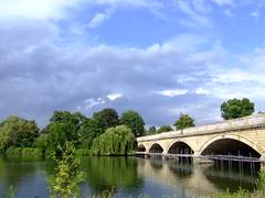 Kensington Gardens Bridge (ChicagoSage) Tags: bridge sky lake london landscape geotagged kensingtongardens serpentine geo:lat=51505958 howwearenow geo:lon=0173593